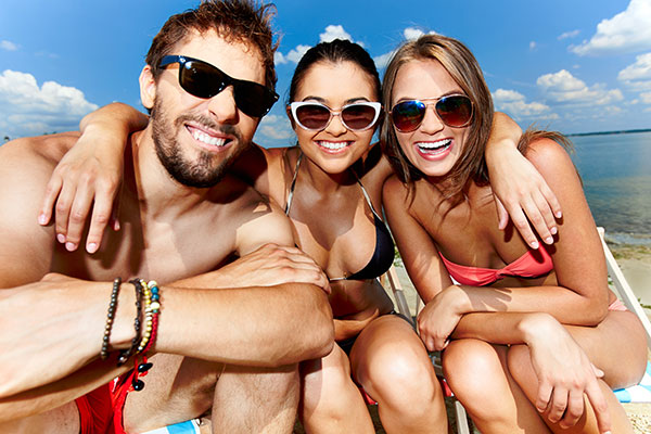Skin-Safety-During-Spring-Break-Getaways